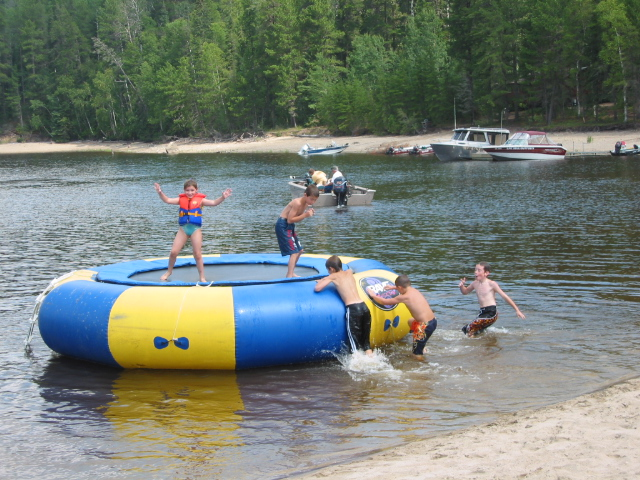 Lac Seul Family Vacation Resort